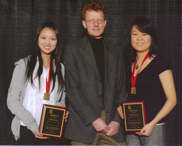 Image of Julie Xu, Annie Wang,and Dr. Gijs van Rooijen